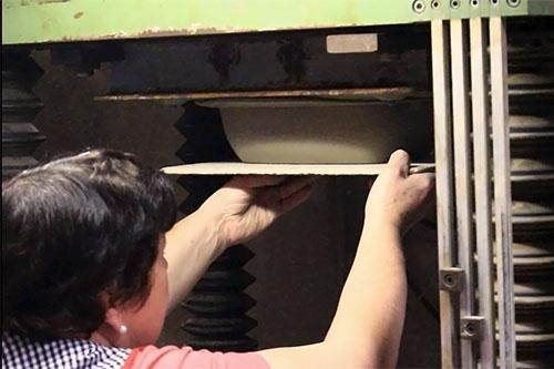 Pressage poterie alsacienne